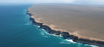Равнина Налларбор (Nullarbor Plain) и утесы Банда (Bunda Cliffs) (42 фото)